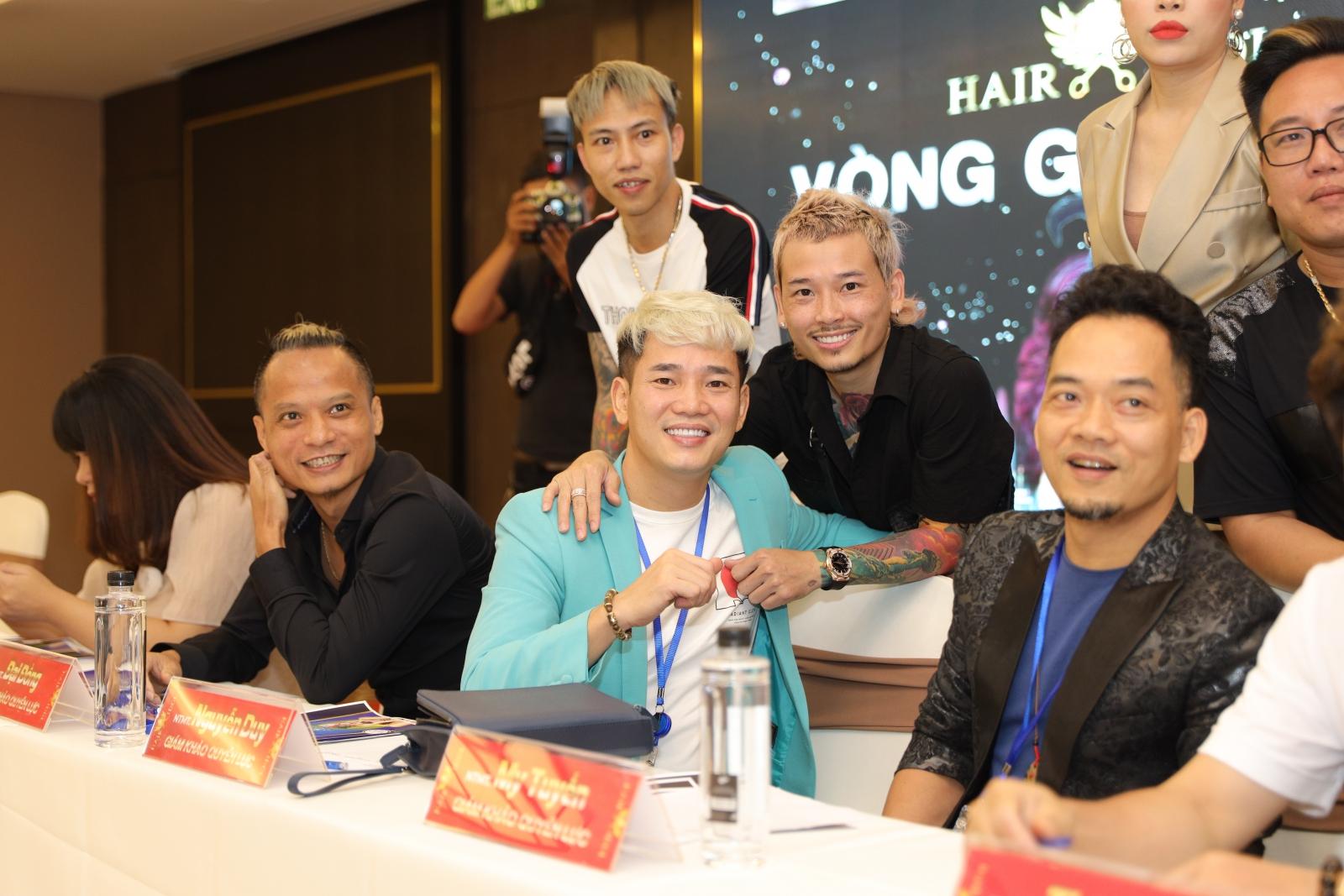 Các ngôi sao làng tóc Việt hội ngộ tại Hair Idol 2020 - vòng Giấu Mặt