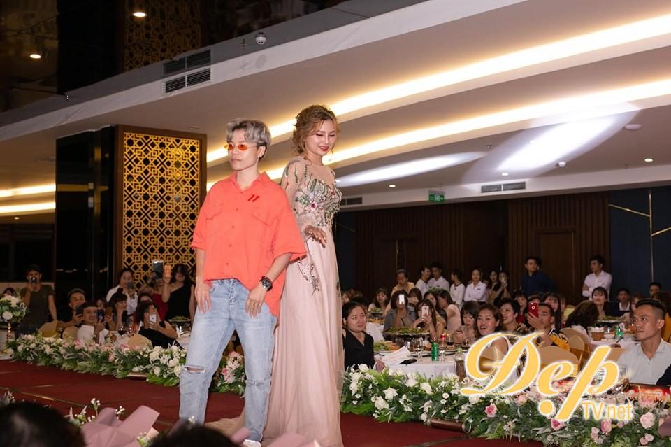 NTMT Hương Bay nhận giải thưởng Nghệ sỹ trẻ xuất sắc 2019