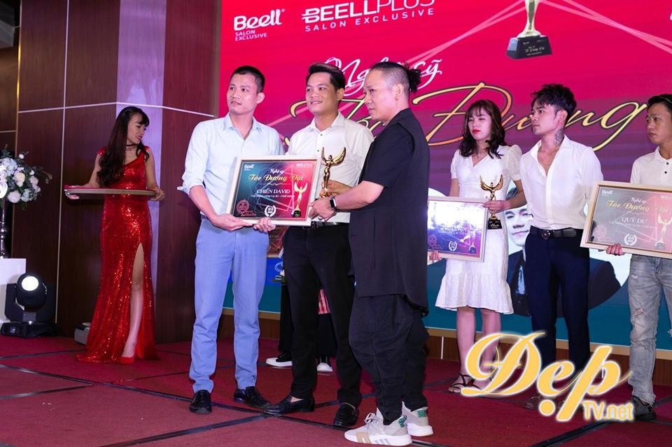 """Nghệ sỹ tóc đương đại 2019 """"đổ bộ"""" Sơn La: NTMT Hoàng Anh Chiến nhận giải thưởng Top salon vàng uy tín chất lượng"""